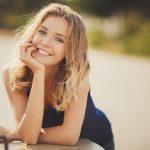 微笑む外国人女性